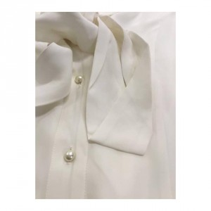 thi-thao-silk-shirt-with-real-pearl-buttons