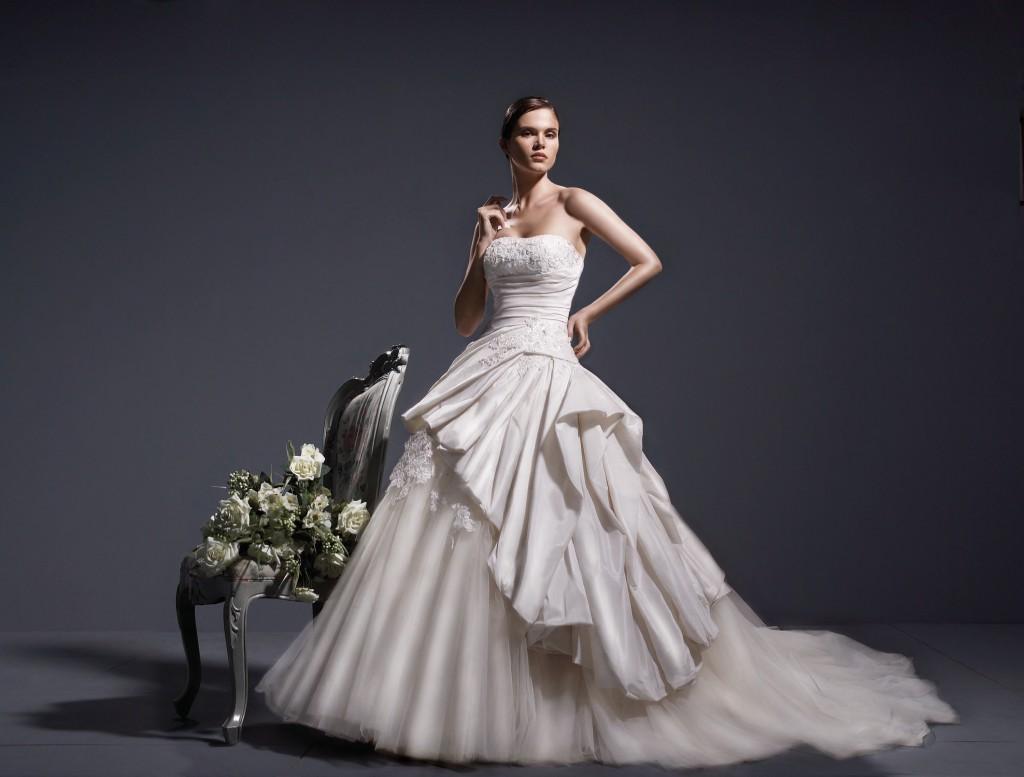 Wedding dress by Thi Thao