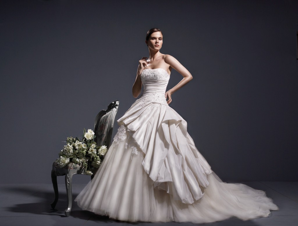 Wedding dress by Thi Thao